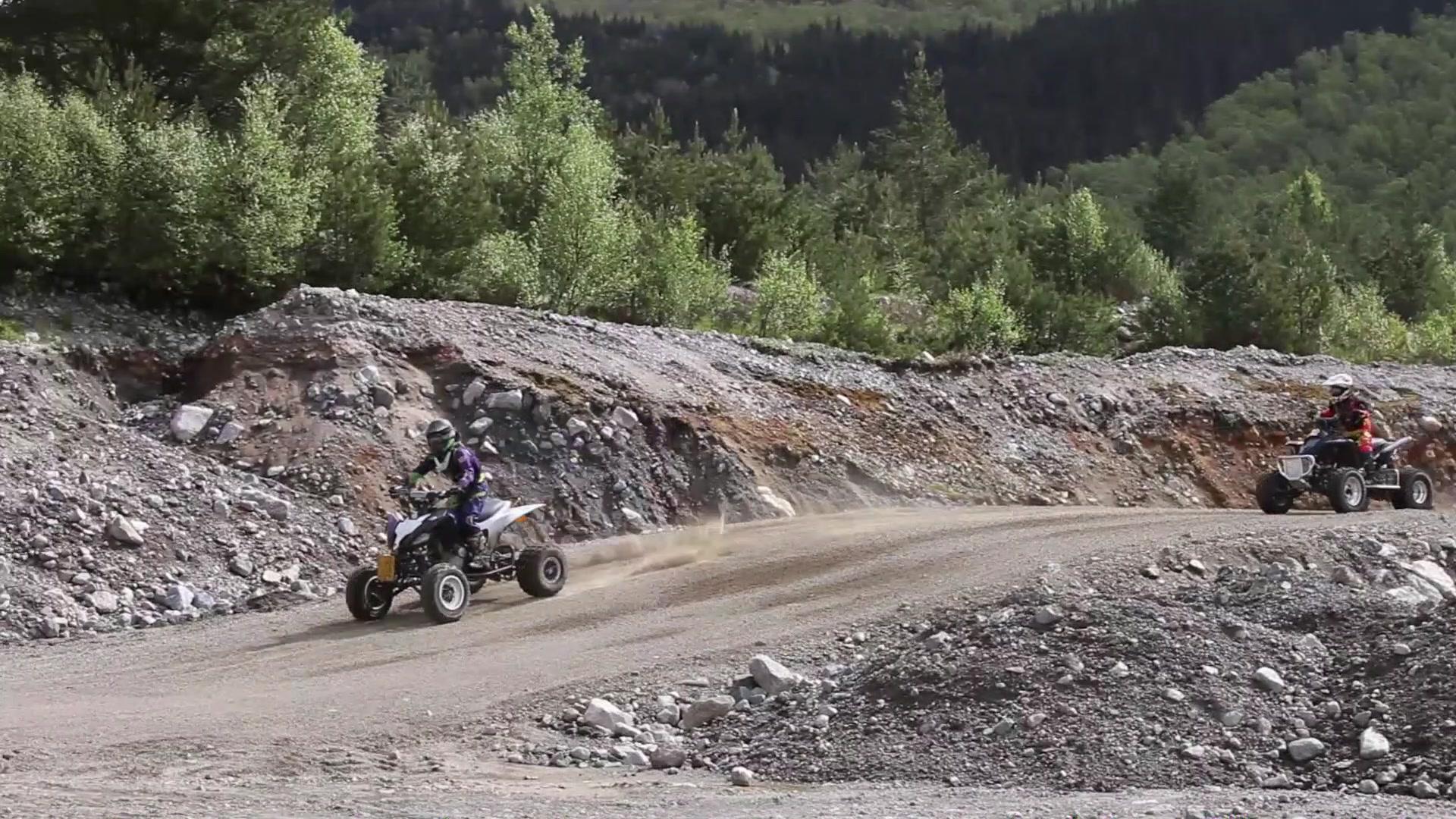 ATV-køyring på Vatne
